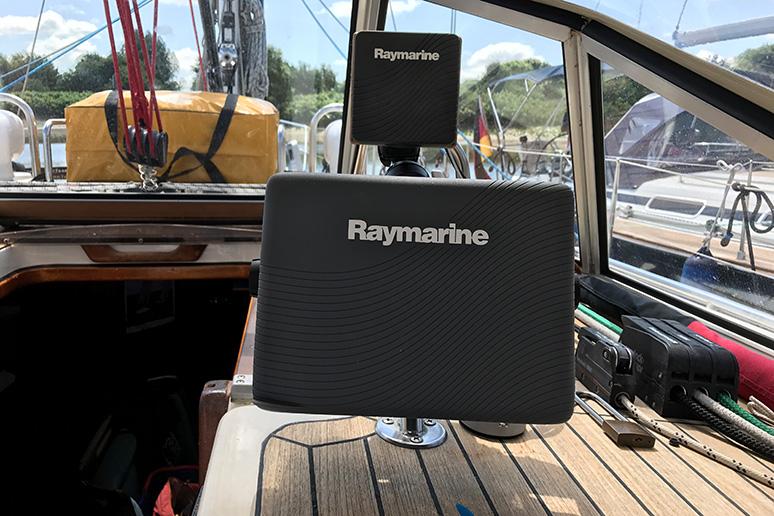 Raumarine-Navigation-Bavaria-390-Lagoon-Taku-Moe